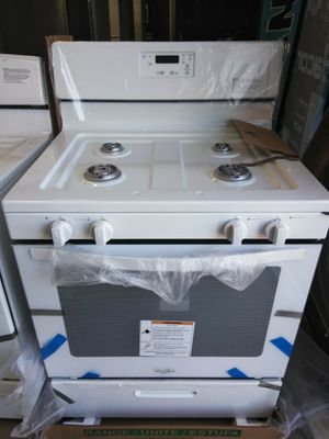 WHIRLPOOL WHITE 30 INCH GAS STOVE OPEN BOX ITEM for Sale in Chino Hills, CA