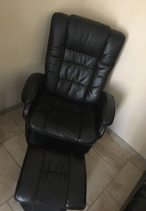 Recliner Chair With Foot Rest for Sale in Crofton, MD