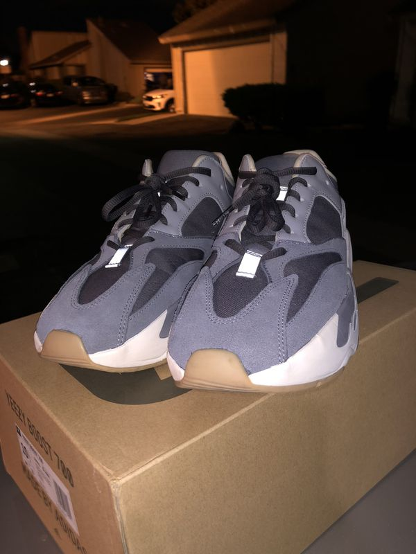 Yeezy Boost 700 Magnet Size 10.5 Used Excellent Condition!!