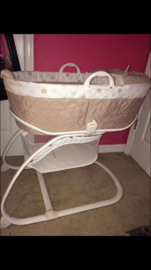 Baby Bassinet for Sale in Upper Marlboro, MD