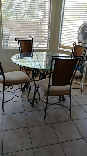 Breakfast table with 4 chairs for Sale in Phoenix, AZ
