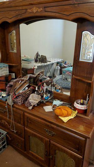 Bedroom set for Sale in Turlock, CA