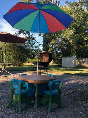 Kids' Table. 4 chairs, umbrella, step 2 for Sale in Murfreesboro, TN