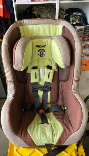 Car seat 75$ for Sale in San Diego, CA