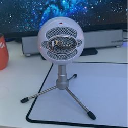 Blue Snowball for Sale in St. Petersburg,  FL