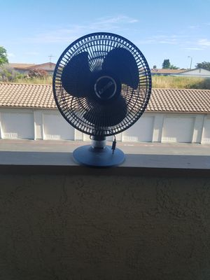 "Lasko 12"" 3 Speed Portable Oscillating Small Table or Floor Fan, Black for Sale in Carlsbad, CA"