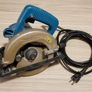 """Makita 5005BA 8.0 Amp 5-1/2"""" Circular Saw for Sale in Seattle, WA"""