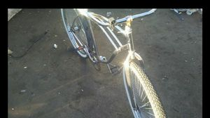 If your looking to get your bike over hauled let me know these are before and after pics for Sale in Oak Glen, CA