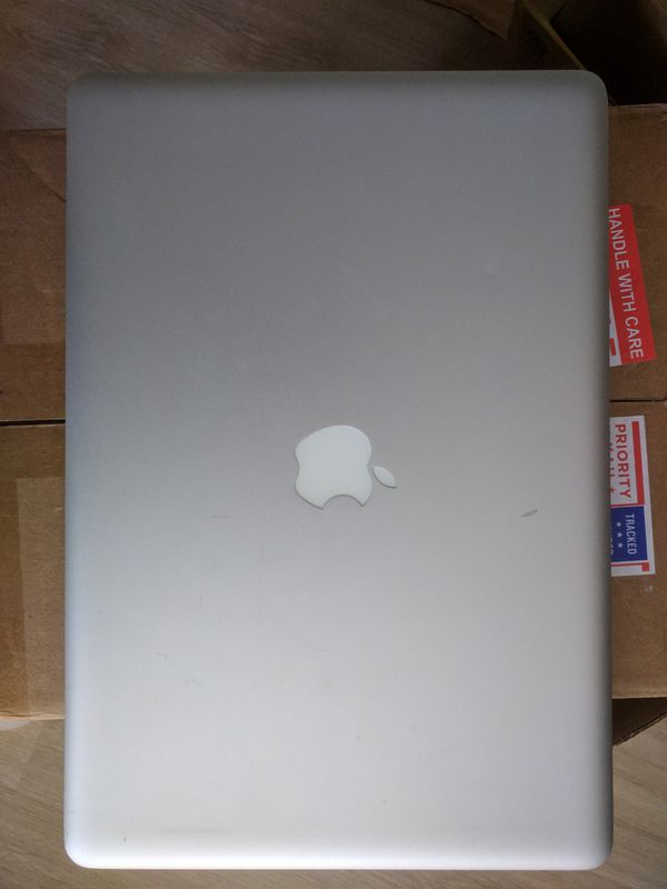 "MacBook Pro 15"" 8 GB 240 GB SSD 2010"