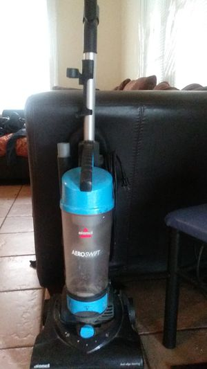 AeroSwift Bissell Vacuum cleaner for Sale in Columbus, OH