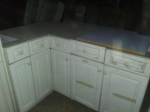 Kitchen Cabinets (Shields&Fresno) for Sale in Fresno, CA