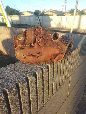 Baseball First Base Glove - Mizuno for Sale in Carson, CA