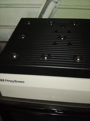 Pitney Bowes 100 lb scale for Sale in Stockton, CA