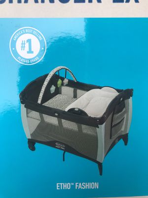 Graco reversible Napping & changing table for Sale in Montebello, CA