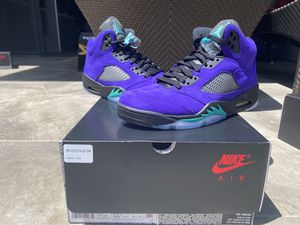 Jordan 5 Retro Alternate Grape Size 10.5 for Sale in Los Angeles, CA
