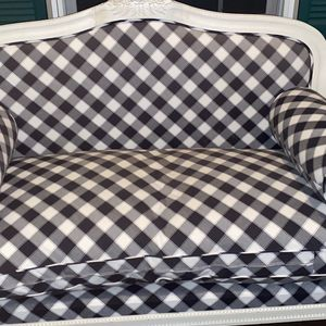 Plaid Checkered Loveseat Sofa for Sale in Southington, CT