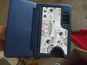 1/4 HYUNDAI-KIA GENUINE OEM MOBILITY KIT INFLATOR TIRE 12V NOTHING MISSING COMES WITH ALL PARTS for Sale in Los Angeles, CA