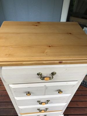 Dresser for Sale in Maple Valley, WA