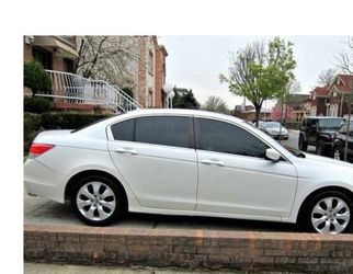 Great Car Honda Accord 2010 for Sale in Springfield,  IL