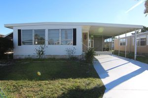 Tastefully updated home in Bay Indies for Sale in Venice, FL