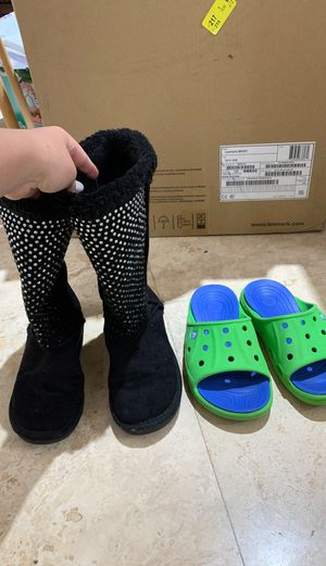 Size 2 Girls Shoes Justice Boots and Crocs for Sale in Tamarac, FL