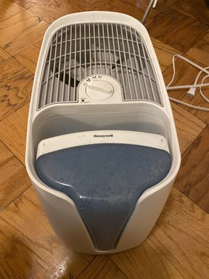 Honeywell HCM350W Germ Free Cool Mist Humidifier White for Sale in Washington, DC