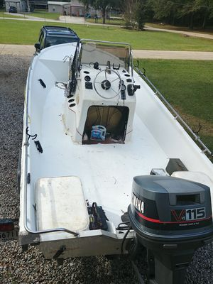 93 bayhawk 19ft 190v with a yamaha v4 115 for Sale in Woodworth, LA