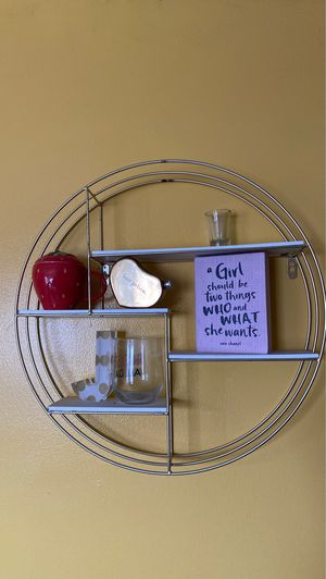 Round Wall Shelf Decor for Sale in Elmont, NY