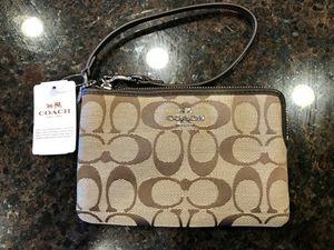 Coach Wristlet. New w/ tags for Sale in Atlanta, GA