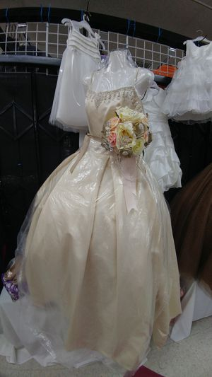 Quinceanera dress or wedding champagne color for Sale in Houston, TX