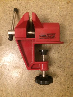 New small desk top hobby vise for Sale in Chicago, IL