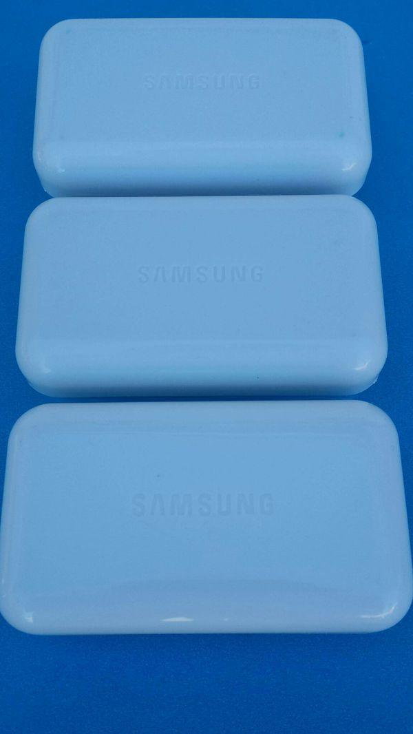 3 Original Samsung Headphones Brand New