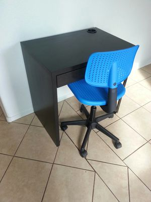 Ikea kids desk and chair for Sale in Peoria, AZ