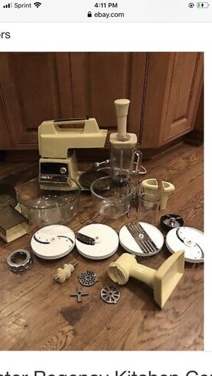 Vintage working Oster Mixer/ Food Professor. Does so much. $60 for Sale in Diamondhead, MS