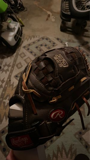 Rawlings Baseball Glove for Sale in Cathedral City, CA