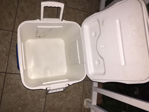 Cooler for Sale in Garden Grove, CA