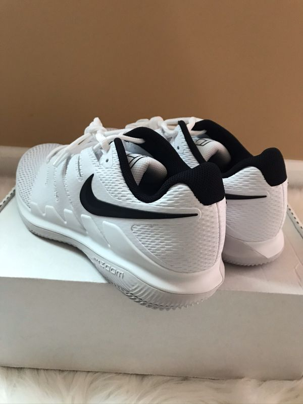 Nike Air Brand New Sz 11 Mens Zoom Vapor X HC White Black AA8030-101