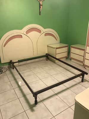 Bedroom full set PICK UP TODAY WEST HIALEAH. for Sale in Miami, FL