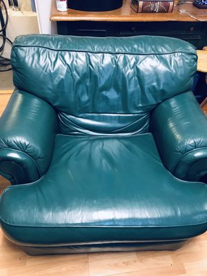 Green leather chair for Sale in West Menlo Park, CA
