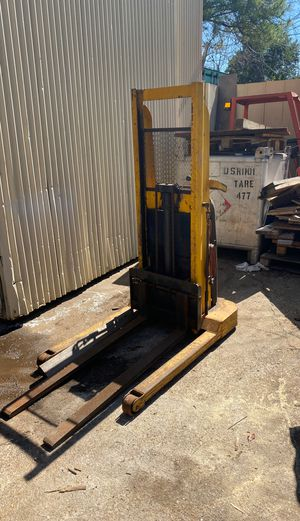 Electric pallet jack for Sale in Houston, TX