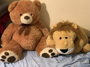 Giant Teddy Bear and Plush Lion for Sale in San Jose, CA