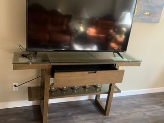 """TV Table And 55""""TV Both Like New for Sale in Portland,  OR"""