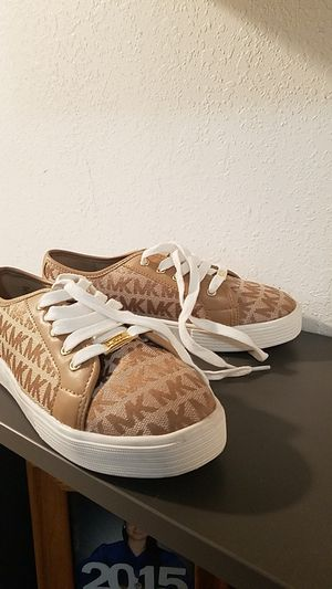 Michael Kors, brand new size 3 girls for Sale in El Monte, CA