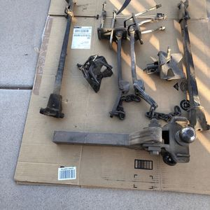 """Sway bars with hitch and 2 5/8"""" ball for Sale in Mesa, AZ"""