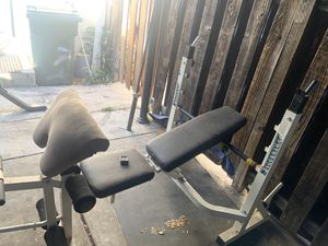 Olympic weight bench with Olympic bar for Sale in Fullerton, CA