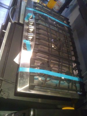 Viking cook top stainless steel 5burner gas home and kitchen appliances for Sale in Carlsbad, CA