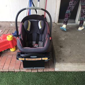 Car seat And Base for Sale in Carrollton, TX