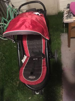 Graco AIRE 3 stroller and infant seat holder. for Sale in Alexandria, VA