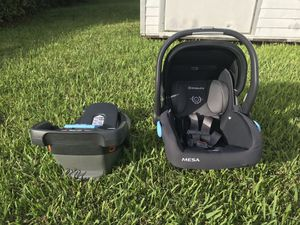 UPPAbaby MESA Car Seat and base for Sale in Miami, FL