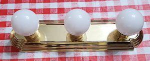 Vanity lights - 3 bulb for Sale in South Brunswick Township, NJ